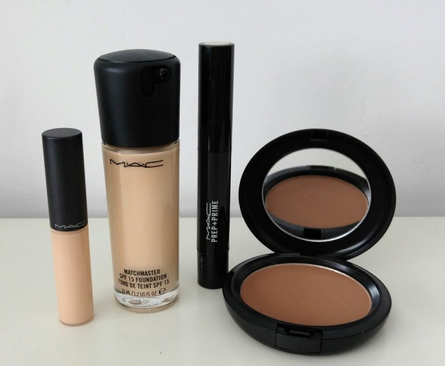 Mac Haul : Matchmaster foundation, Select Moiturecover concealer, Prep and Prime Highlighter, Bronzing powder