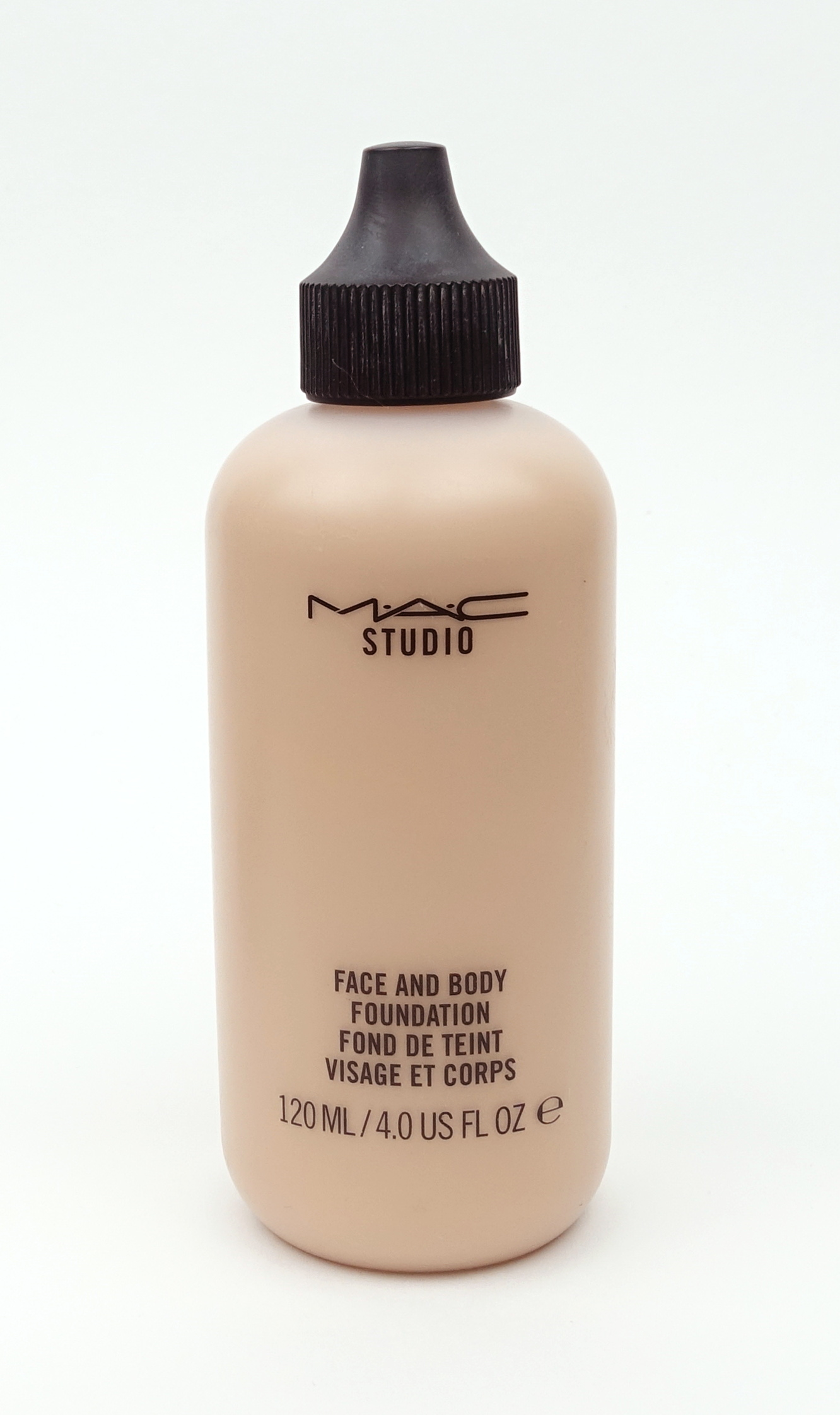 Fond de teint Face and Body de Mac Studio